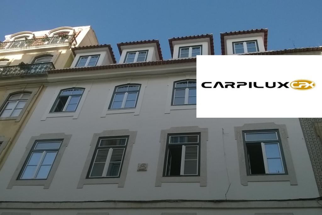 CARPILUX | CAIXILHOS EM MADEIRA NATURAL
